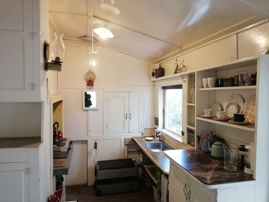 Bach 52 kitchen